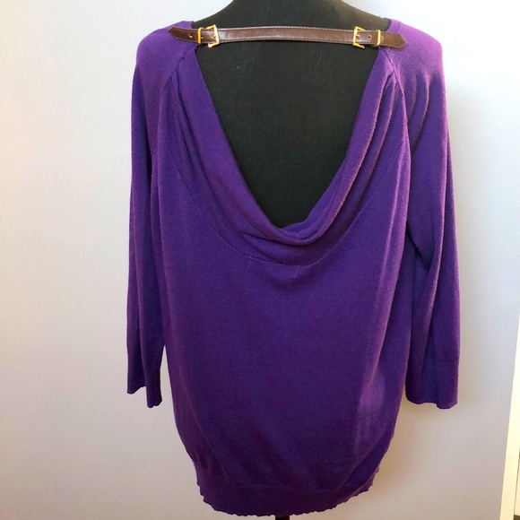 Purple soft 3/4 sleeve sweater with scoped back